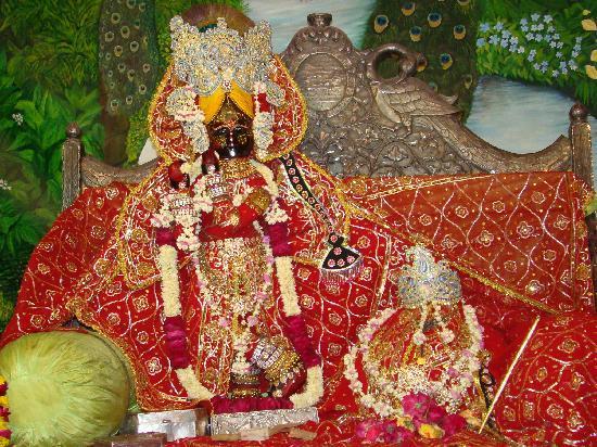 http://gita-blog.com/wp-content/uploads/2017/02/shri-radha-vallabh-lal.jpg